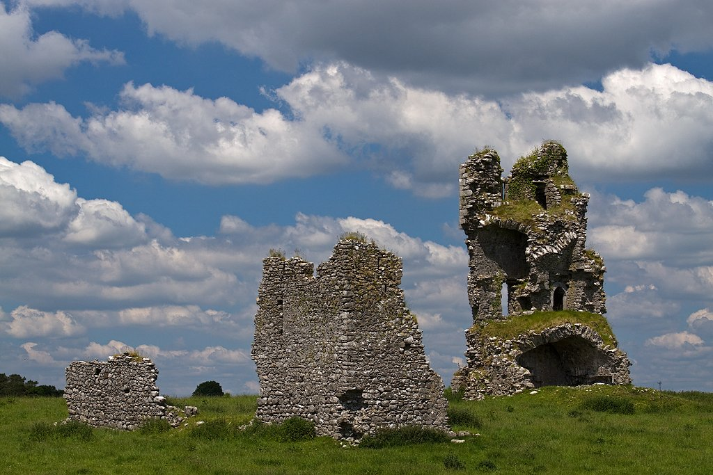 Clogharevaun Castle - Visit Galway