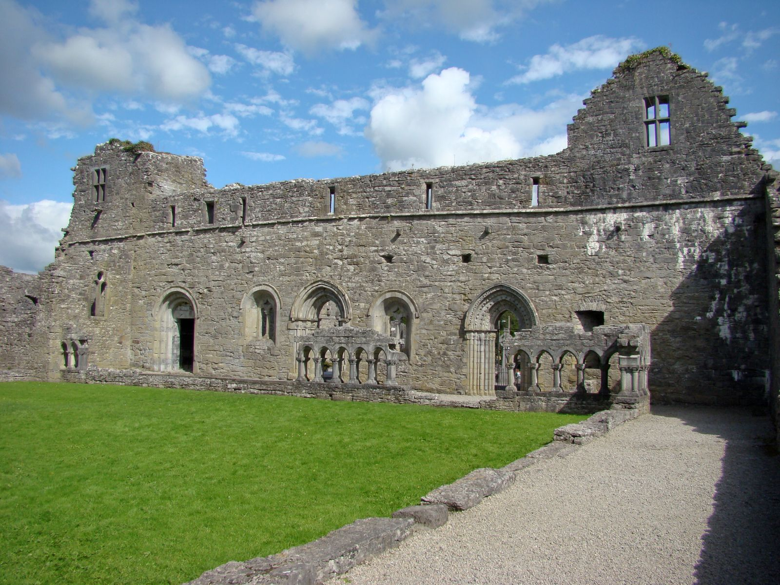 Cong Abbey Ruins - Visit Galway