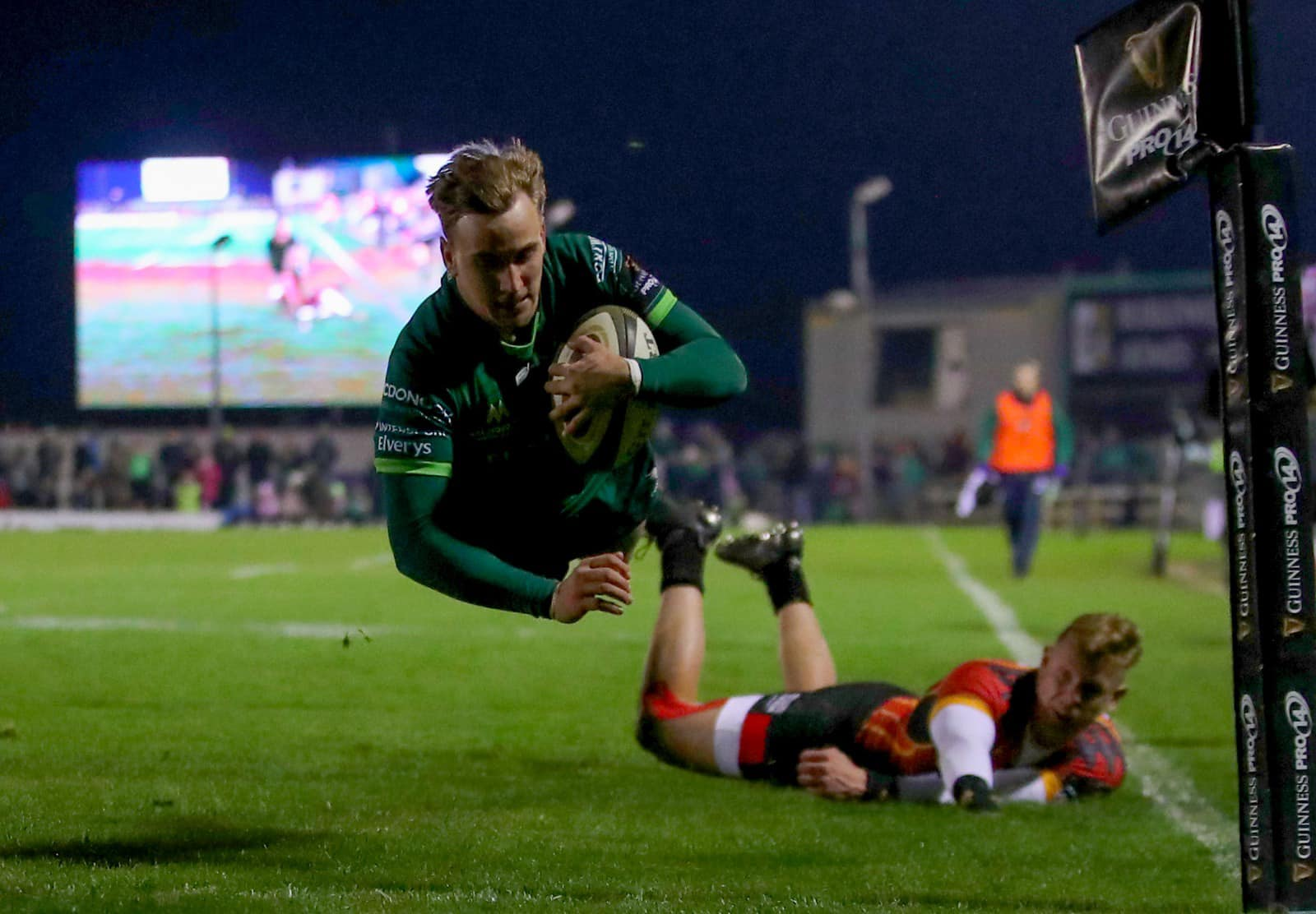 Connacht Rugby Try - Visit Galway