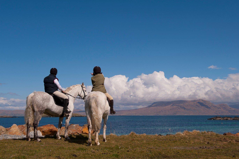 Connemara Equestrian Escapes Horse Trekking - Visit Galway