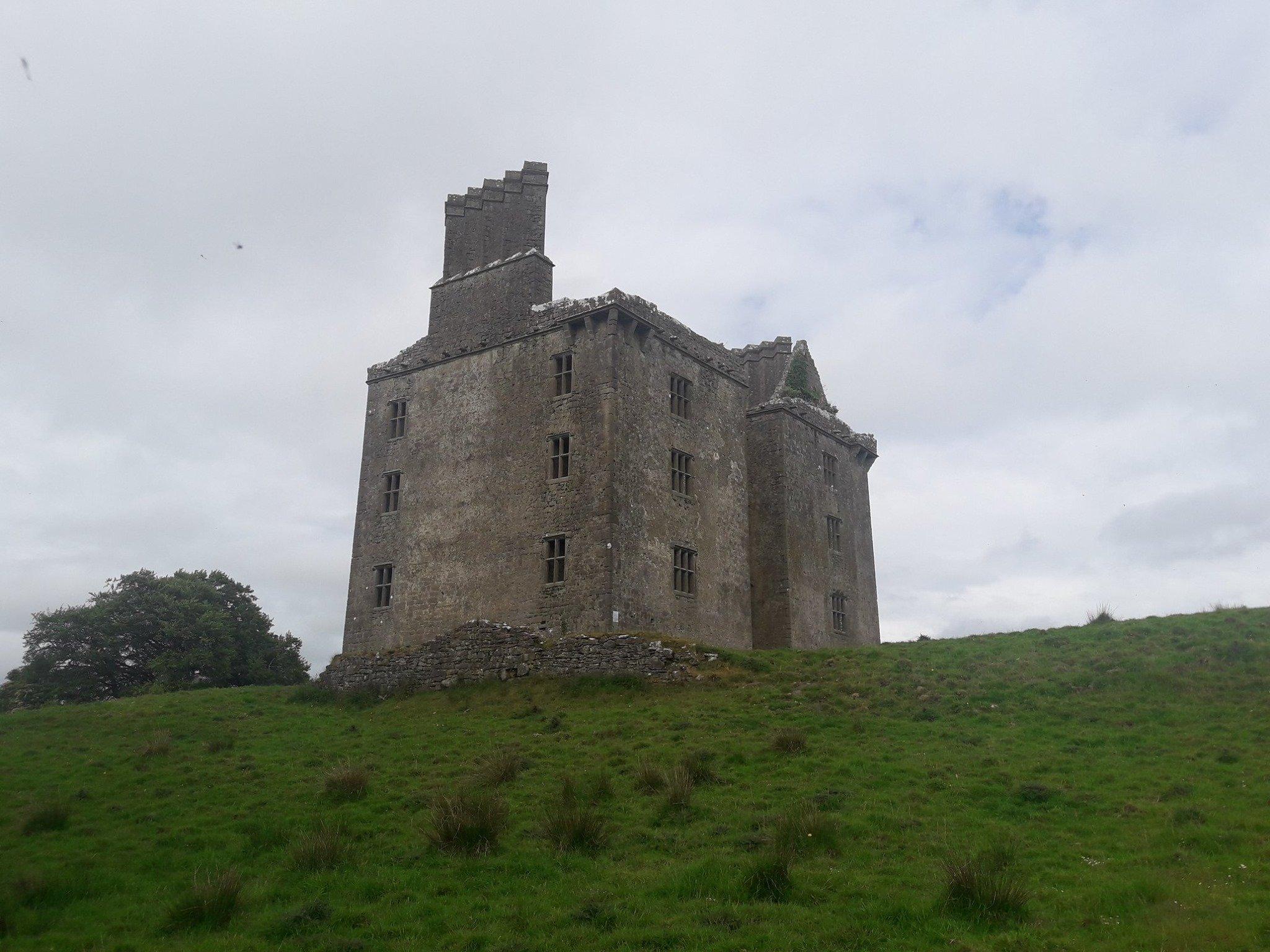 Glinsk Castle in Galway - Visit Galway