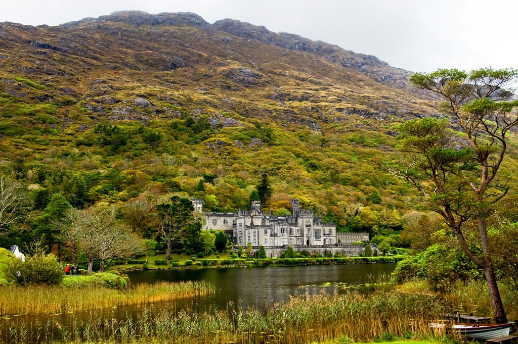 Kylemore Abbey on the Wild Atlantic Way - Visit Galway