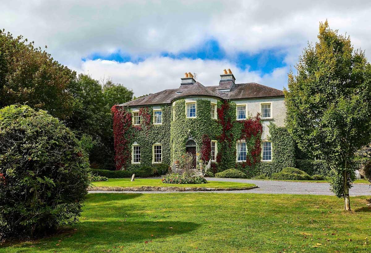 Lisdonagh House Exterior - Visit Galway