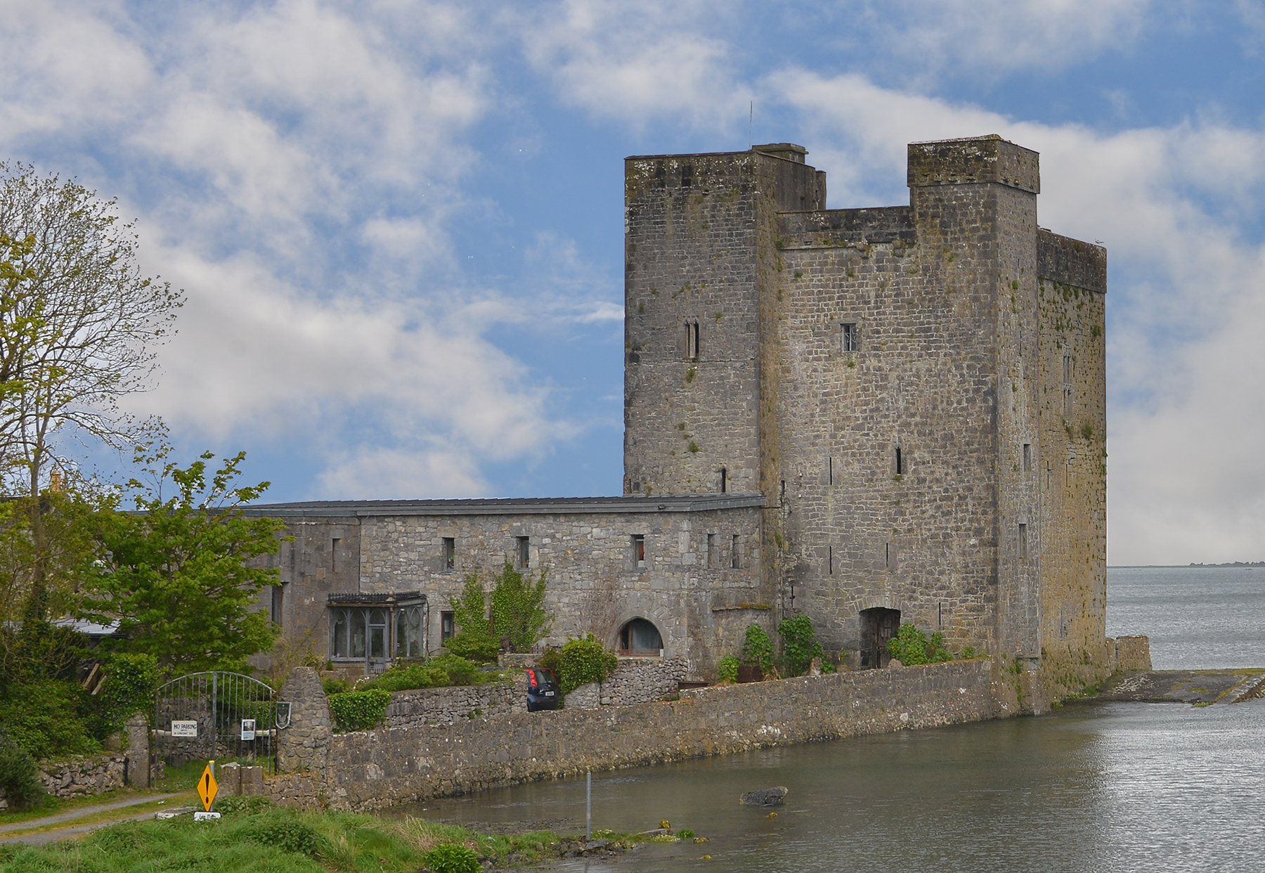 Oranmore Castle at the Bay - Visit Galway