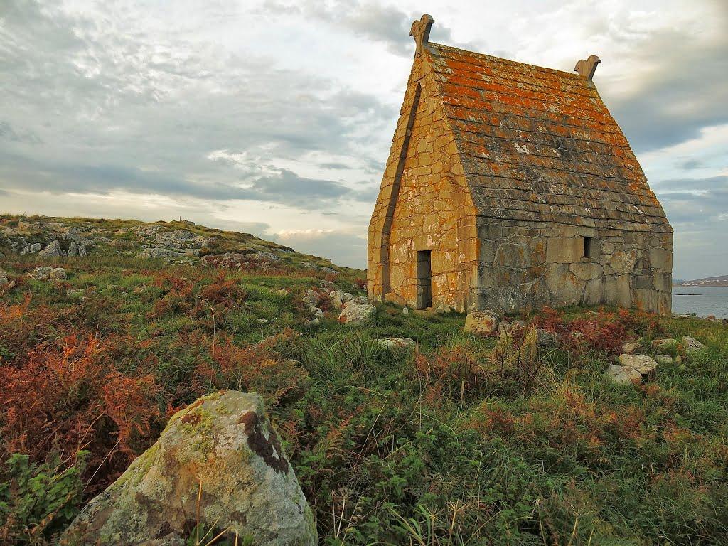 St. Macdara's Island Monastery - Visit Galway