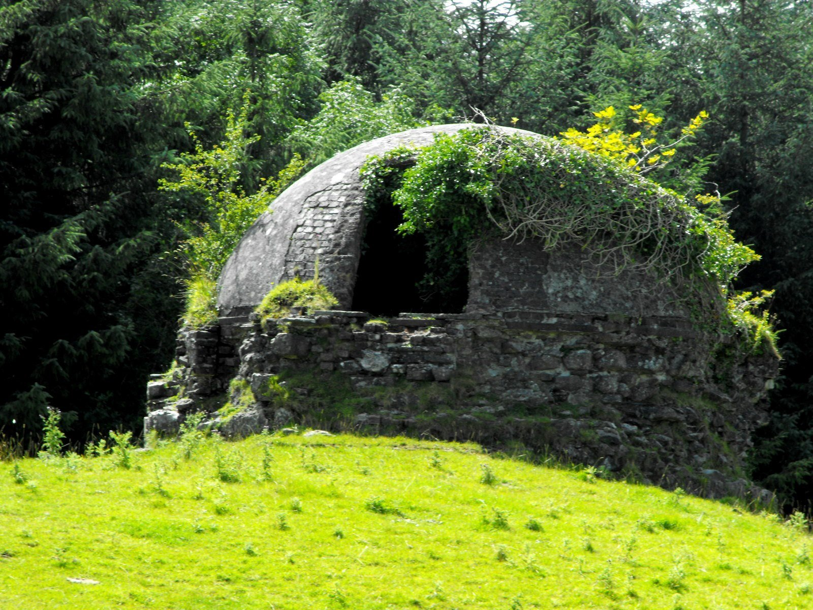 Woodlawn Icehouse - Visit Galway
